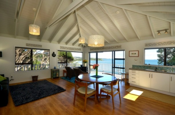paua-shell-beach-house